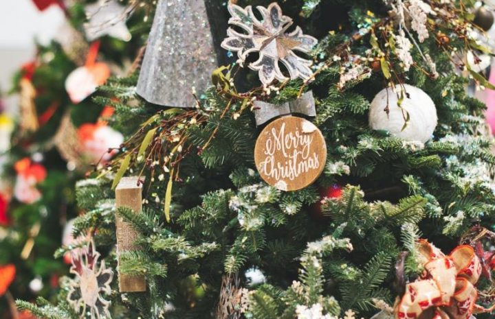 Re-energizing your outdoor space with pre-lit Christmas accessories