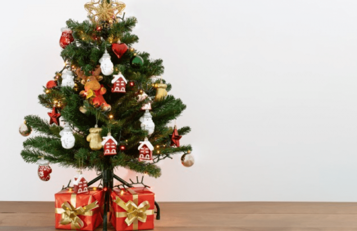 Ideas: Mantel Decoration for Your Christmas Tree
